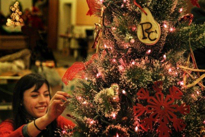 ranch-tree-decorating