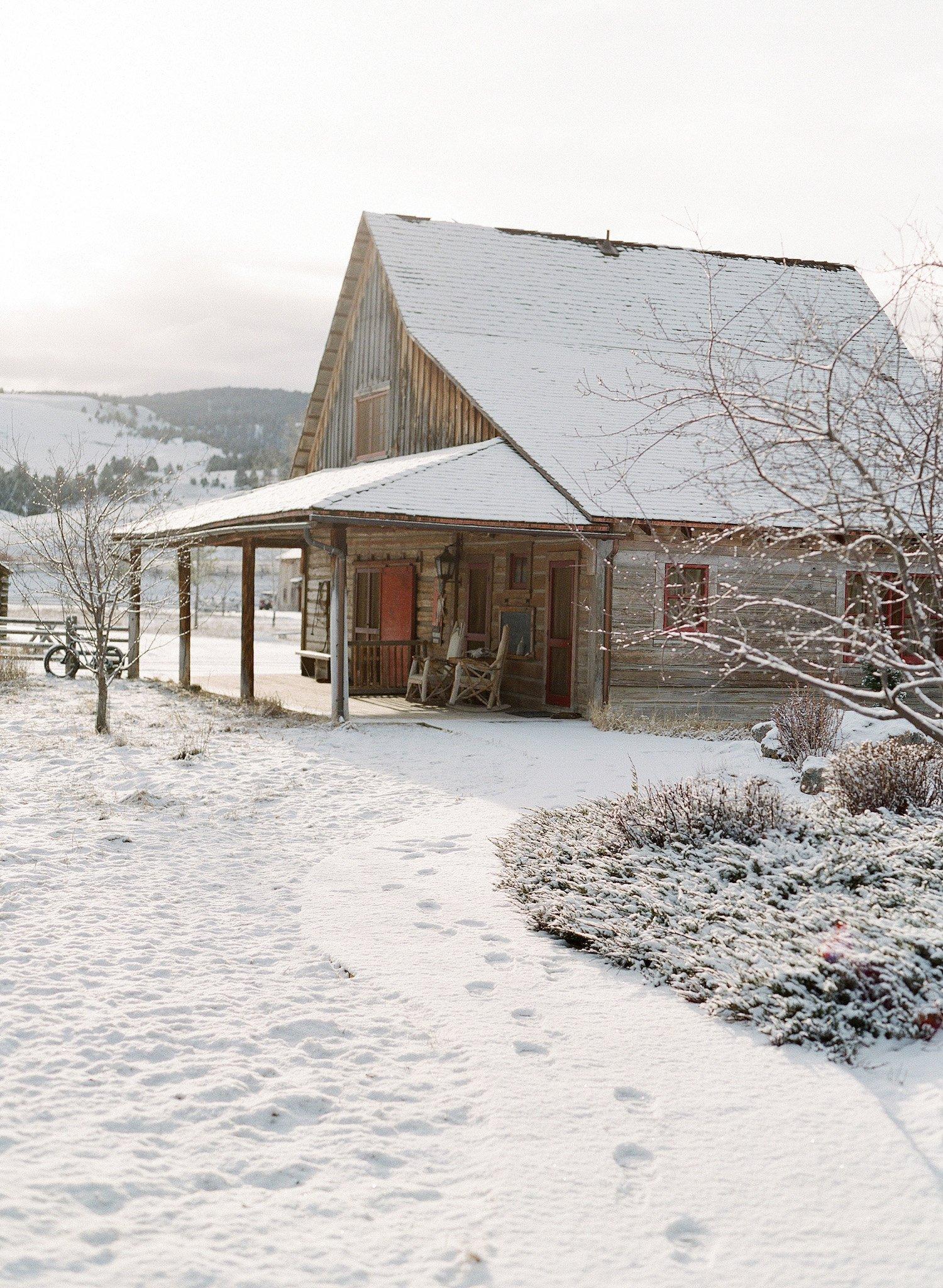 jose-villa-historic-barn-winter