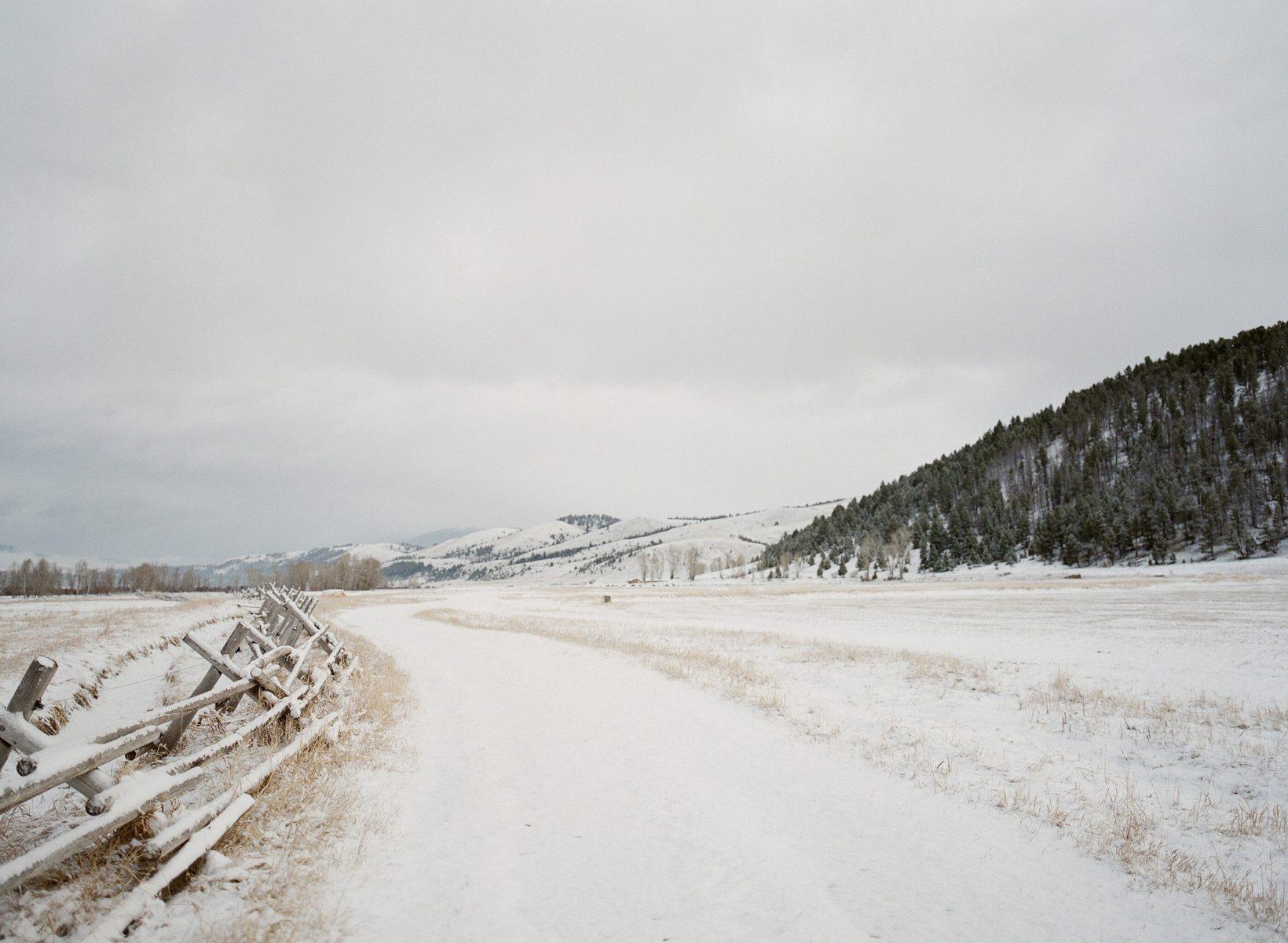 jose-villa-winter-road